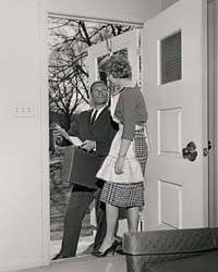 door_to_door_salesman_1950